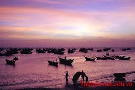 """Phân tích bài thơ """"Đoàn thuyền đánh cá""""của Huy Cận"""