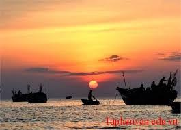 """Phân tích hai khổ thơ cuối bài thơ """"Đoàn thuyền đánh cá"""" của Huy Cận"""